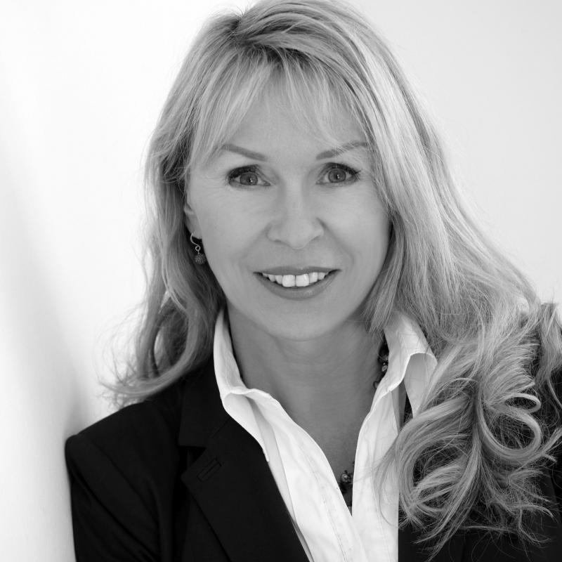 Astrid Deixler-Hübner