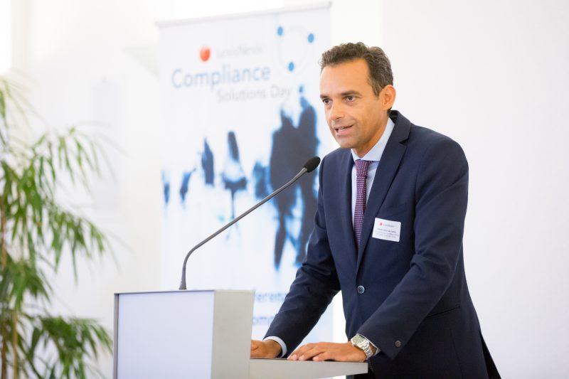 (c) www.annarauchenberger.com / Anna Rauchenberger – Wien, 15.09.2016 - LexisNexis Compliance Solutions Day 2016 im Apothekertrakt, Schloss Schoenbrunn. FOTO: Alberto Sanz de Lama, Geschaeftsfuehrer LexisNexis Oesterreich